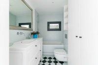 łazienka w białej kolorystyce