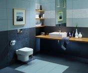 Łazienka w niebieskich odcieniach